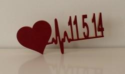 Herz mit Herzschlag und Ihrem Datum