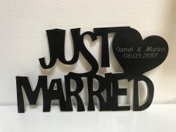 Hochzeitsgeschenk Schriftzug Just Married mit Herz