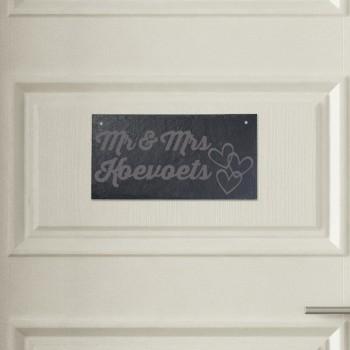 Türschild aus Schiefer - Design Mr. & Mrs. mit Herzen