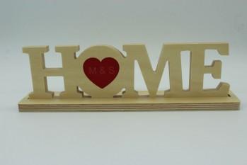 Schriftzug Home mit Fuß und Herz mit Initialien