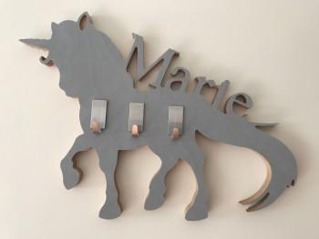 Kindergarderobe - mit Tier nach Wahl aus Holz mit Name