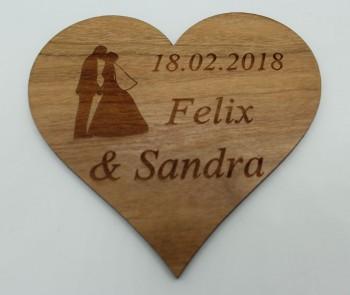 Wir heiraten - Termin Erinnerung / Safe the Date Herz mit Ehepaar