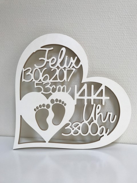 geschenk zur geburt herz mit namen datum uhrzeit gewicht und gr e. Black Bedroom Furniture Sets. Home Design Ideas